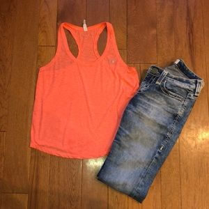 Under Armour coral small heat gear tank